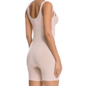 SPANX Thinstincts Open Bust Mid Thigh Bodysuit! L